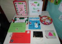 wystawa kolorowych słowniczków świątecznych