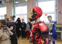 Chłopiec w stroju ninja