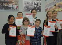 Laureaci konkursu z dyplomami
