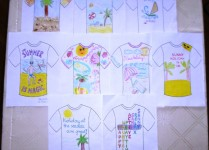 Wystawa prac, które wzięły udział w konkursie na wakacyny t-shirt