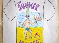 """""""The summer is magic"""". Plaża, na plaży uśmiechnięty chłopiec w kąpielówkach."""