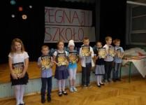 Dzieci nagrodzone za konkursy wiedzy