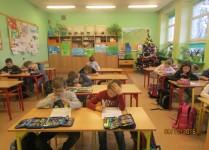 Uczniowie podczas rozwiązywania zadań
