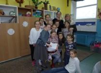 Członkowie Szkolnego Koła Caritas wraz z opiekunami