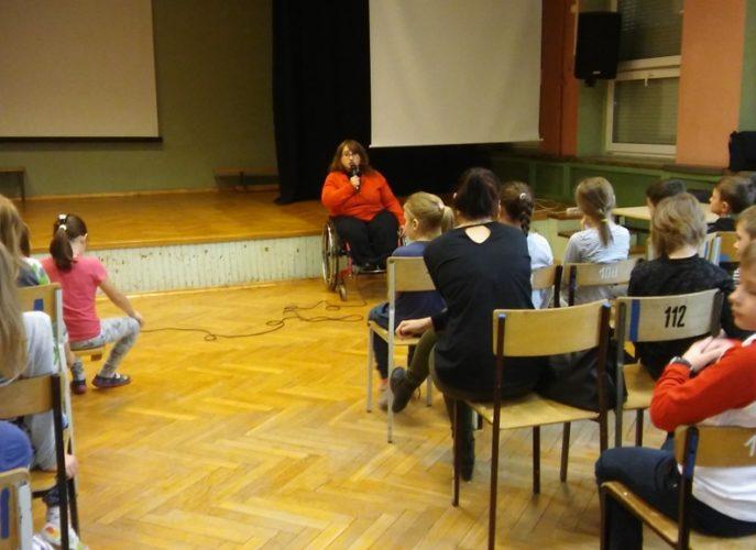 pani Atena Adamidu podczas spotkania z uczniami szkoły