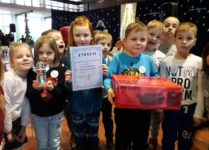 Dzieci z dyplomem i nagrodami