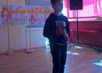 Mateusz podczas występu